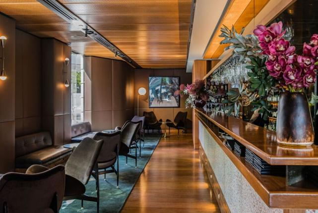 Matt moran 39 s restaurant aria reopens with a brand new look for Aria persian cuisine
